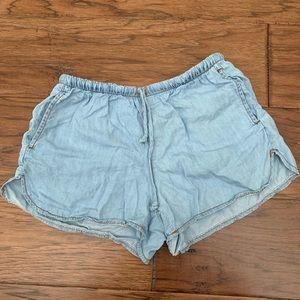 Brandy Melville shorts!